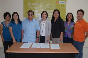 "NCDA Inks Agreement with VSO- Bahaginan on ""Disability-inclusive'' Volunteering Overseas, August 10, 2010, VSO-B Office. From left: NCDA Project Development Officer Josephine Despi, TCD Chief Nelia R. De Jesus, NCDA OIC/Director Matt Lee, Jr., Dr. Grace Aguiling Dalisay, VSO-B Board of Trustees Chairperson, Executive Director Malou Juanito, Program Manager Maloy Tiongson and National Volunteering Program Manager Jay Ancheta."