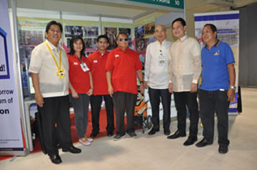 Officials from NCDA, PIA, Kabisig People's Movement and the City of Mandaluyong